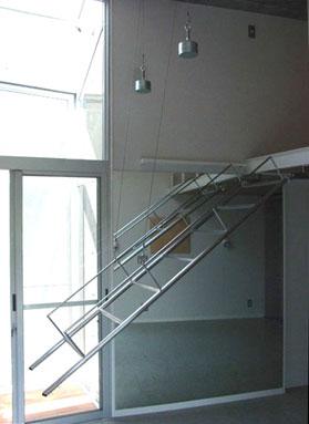ロフト階段はバランス式